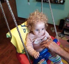 Good news για τον Παναγιώτη – Ραφαήλ:  Στέκεται στα πόδια του & παίζει μόνος του (βίντεο) - Κυρίως Φωτογραφία - Gallery - Video