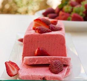 Ο Στέλιος Παρλιάρος μας προτείνει δροσερό παρφέ φράουλας - Κυρίως Φωτογραφία - Gallery - Video