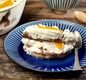 Το απόλυτο καλοκαιρινό brunch από την Αργυρώ Μπαρμπαρίγου: Μους γιαουρτιού με φρούτα & κρουασάν - Κυρίως Φωτογραφία - Gallery - Video