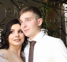 Η 34χρονη Ρωσίδα blogget το 'πε & το 'κανε! Παντρεύτηκε τον 20χρονο γιο του πρώην συζύγου της - Έμεινε έγκυος αφού έχασε 30 κιλά & έγινε στυλάκι (Φωτό & Βίντεο) - Κυρίως Φωτογραφία - Gallery - Video