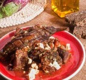 Υπέροχη μαμαδίστικη συνταγή - Η Αργυρώ Μπαρμπαρίγου μας ετοιμάζει καπαμά με μοσχάρι  - Κυρίως Φωτογραφία - Gallery - Video