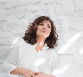"""Η Χάρις Αλεξίου ανεβαίνει στο θεατρικό σανίδι- Στη """"Μεταμφίεση"""" θα ερμηνεύσει τον ρόλο μιας ασυνήθιστης γυναίκας - Κυρίως Φωτογραφία - Gallery - Video"""