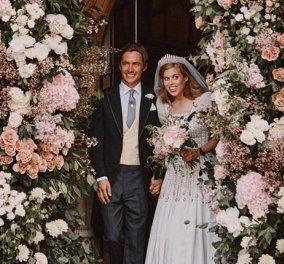 Οι πρώτες φωτογραφίες από τον μυστικό γάμο της πριγκίπισσας Beatrice - Η τιάρα, η χαρά της Βασίλισσας Ελισάβετ & το vintage νυφικό από τα 60s - Κυρίως Φωτογραφία - Gallery - Video