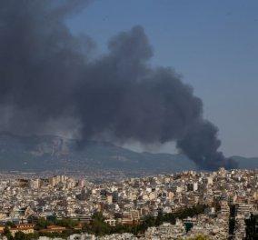 Τεράστια Φωτιά σε εργοστάσιο  στη Μεταμόρφωση: Γέμισε η Αθήνα καπνούς - Μαύρισε ο ουρανός φωτο καρέ καρέ - Κυρίως Φωτογραφία - Gallery - Video