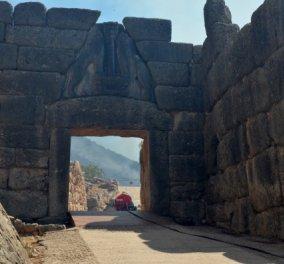 Μυκήνες φωτιά: Μαύρισε η πύλη των Λεόντων – Δάκρυα προκαλούν οι φωτογραφίες από το περίφημο αρχαιολογικό χώρο (Φωτό & Βίντεο)   - Κυρίως Φωτογραφία - Gallery - Video