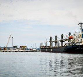 Φωτιά σε φορτηγό πλοίο υπό ελληνική σημαία, στην Αραβική Θάλασσα - Νεκρός ο 55χρονος μηχανικός  - Κυρίως Φωτογραφία - Gallery - Video