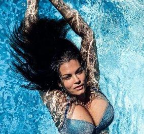 Η Μαρία Κορινθίου ξεσηκώνει κύματα στη θάλασσα με το πληθωρικό της μπούστο - Η Τόνια Σωτηροπούλου επιπλέει σε ήρεμα νερά (Φωτό)  - Κυρίως Φωτογραφία - Gallery - Video
