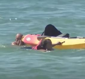 Story of the day: O Πρόεδρος της Πορτογαλίας έσωσε δύο κορίτσια από πνιγμό - Έπεσαν στην θάλασσα από κανό  - Κυρίως Φωτογραφία - Gallery - Video