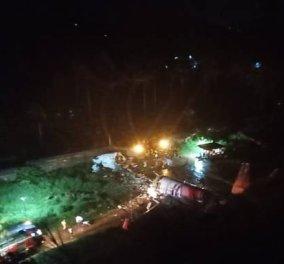 Ινδία: Συνετρίβη αεροσκάφος με 191 επιβάτες - Ξέφυγε από τον αεροδιάδρομο & έπεσε σε κοιλάδα 35 μέτρων (φωτό - βίντεο) - Κυρίως Φωτογραφία - Gallery - Video