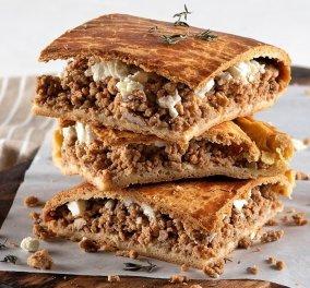 Μια υπέροχη μαμαδίστικη συνταγή για την Κυριακή από τον Άκη Πετρετζίκη: Κιμαδόπιτα με φέτα - Κυρίως Φωτογραφία - Gallery - Video