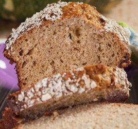 Ο Στέλιος Παρλιάρος μας φτιάχνει υπέροχο γλυκό ψωμί με μπανάνα & βρόμη - Κυρίως Φωτογραφία - Gallery - Video