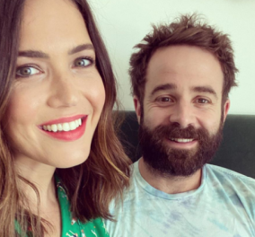 H Mandy Moore είναι έγκυος στο πρώτο της παιδί με τον σύζυγό της Taylor Goldsmith - Η αποκάλυψη στο Instagram  - Κυρίως Φωτογραφία - Gallery - Video