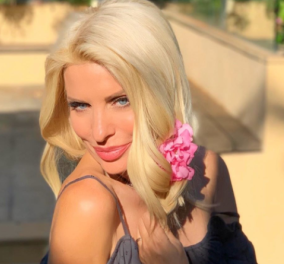 Η Ελένη Μενεγάκη στέλνει το Μαρινάκι της στο σχολείο &  η κόρη του Χαρδαλιά  φοράει floral φόρεμα με ασορτί μάσκα – Οι 2 γονείς εύχονται καλή σχολική χρονιά! - Κυρίως Φωτογραφία - Gallery - Video