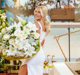Ντύθηκε νύφη η κουμπάρα – Η Κατερίνα Καινούργιου με μακριά λευκή δαντέλα βάφτισε το αγοράκι της φίλης της (φωτό) - Κυρίως Φωτογραφία - Gallery - Video