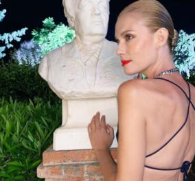 Δίμετρη η Βίκυ Καγιά σε μια πόζα που θα αφήσει εποχή – Σούπερ μίνι, 15ποντα & έξω η πλάτη - Κυρίως Φωτογραφία - Gallery - Video