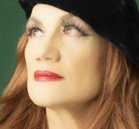 """Αθηνά Παππά- Το συγκλονιστικό κείμενο της ηθοποιού για τη """"μάχη"""" της με τον καρκίνο: Οφείλω να με αγαπήσω, να μου αρέσει το άδειο μου, χωρίς μαλλιά, κεφάλι (φωτό) - Κυρίως Φωτογραφία - Gallery - Video"""