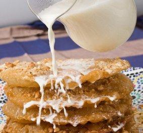 Ο Στέλιος Παρλιάρος μας ξετρελαίνει με ένα υπέροχο γλυκό - Pastilla au lait  - Κυρίως Φωτογραφία - Gallery - Video