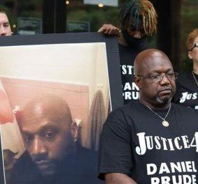 Βία χωρίς τέλος στην Αμερική - Στο βίντεο οι αστυνομικοί φορούν πλαστική σακούλα σε έναν μαύρο & πεθαίνει από ασφυξία - Κυρίως Φωτογραφία - Gallery - Video