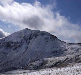 Τα πρώτα χιόνια έπεσαν στις κορυφές του Γράμμου & των Καλαβρύτων - Μαγευτικά τοπία (Φωτό & Βίντεο)  - Κυρίως Φωτογραφία - Gallery - Video