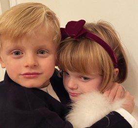 Πριγκιπόπουλα του Μονακό: Τα μικροσκοπικά δίδυμα Ζακ & Γκαμπριέλα είναι ακαταμάχητα – Η φωτό που ανέβασε η μητέρα τους, πριγκίπισσα Σαρλίν - Κυρίως Φωτογραφία - Gallery - Video