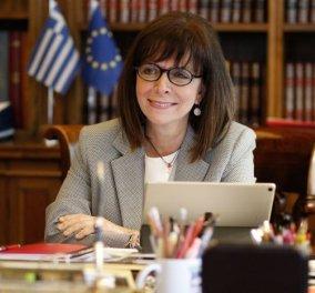 Πρόεδρος Κατ. Σακελλαροπούλου σε zoom εκδήλωση για τις γυναίκες  - Η πανδημία τις έχει επιβαρύνει με μεγαλύτερη φτώχεια, κοινωνικό αποκλεισμό, ενδοοικογενειακή βία  - Κυρίως Φωτογραφία - Gallery - Video