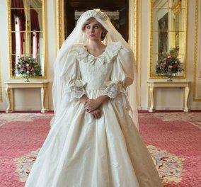 The Crown: H πρώτη φωτό της Emma Corrin με το ακριβές αντίγραφο του νυφικού της Diana - Μας πήγε 39 χρόνια πίσω (Φωτό)  - Κυρίως Φωτογραφία - Gallery - Video