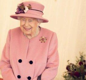 Η επανεμφάνιση της βασίλισσας Ελισάβετ: Με ροζ κουφετί σύνολο εγκαινίασε επιστημονικό κέντρο μαζί με τον πρίγκιπα William- Όλο χαμόγελα & χωρίς μάσκα (φωτό) - Κυρίως Φωτογραφία - Gallery - Video