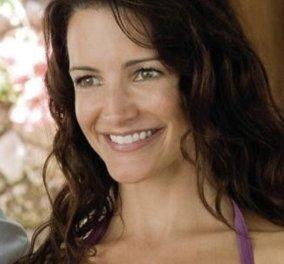 Kristin Davis: H Charlotte του Sex and the City είναι πια 55 & μεταμορφώθηκε εντελώς - Με φούξια μαλλιά & piercing σε χείλη & μύτη (φωτό) - Κυρίως Φωτογραφία - Gallery - Video