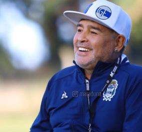 Παγκόσμιος θρήνος στο ποδόσφαιρο: Έφυγε από την ζωή σε ηλικία 60 ετών ο Ντιέγκο Μαραντόνα - Υπέστη ανακοπή καρδιάς (φωτό - βίντεο)   - Κυρίως Φωτογραφία - Gallery - Video
