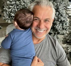 Χάρης Χριστόπουλος: Με τον μικρούλη γιο του αγκαλιά στόλισε όχι ένα, όχι δύο αλλά πολλά Χριστουγεννιάτικα δέντρα - Η έκπληξη στην Anita Brand - Κυρίως Φωτογραφία - Gallery - Video