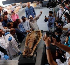 Άθικτος θησαυρός 2,5 χιλ. ετών: Η Αίγυπτος ανακοίνωσε την αρχαιολογική ανακάλυψη της χρονιάς – Καλά κρυμμένη σαρκοφάγος γεμάτη χρυσός (Φωτό)  - Κυρίως Φωτογραφία - Gallery - Video