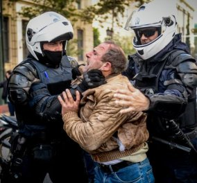 Καρέ - Καρέ τα θλιβερά επεισόδια στο Πολυτεχνείο  - Οι συμπλοκές της αστυνομίας με μέλη του ΚΚΕ τα χημικά & η εκρηκτική ατμόσφαιρα (φωτό) - Κυρίως Φωτογραφία - Gallery - Video