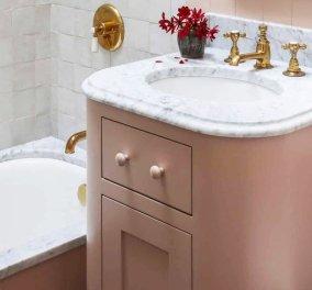 Έτοιμες να βάλετε χρώμα στο μπάνιο; - Αυτές οι μοντέρνες ιδέες θα σας εμπνεύσουν για εντυπωσιακές αλλαγές (φώτο) - Κυρίως Φωτογραφία - Gallery - Video