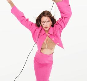Σας αρέσει το ροζ; O διάσημος Γάλλος σχεδιαστής Jacquemus λανσάρει την Χριστουγεννιάτικη συλλογή του - Ρούχα με παγιέτες, όλα ροζ (φωτό) - Κυρίως Φωτογραφία - Gallery - Video