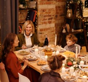 Όλα τα  μυστικά για να φάτε σωστά στο πρωτοχρονιάτικο τραπέζι - Tips για να μην ξεφύγετε  - Κυρίως Φωτογραφία - Gallery - Video