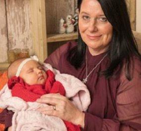 25χρονη γέννησε το παιδί της... μαμάς της, άρα και αδερφή της! Έγινε παρένθετη για να αποκτήσει μωρό η μητέρα της & ο πατριός της (φωτό) - Κυρίως Φωτογραφία - Gallery - Video