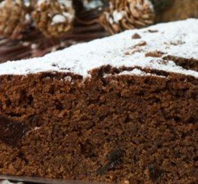 Ο Στέλιος Παρλιάρος μας ετοιμάζει το πιο τυχερό γλυκό του χρόνου - Σοκολατένια βασιλόπιτα με δαμάσκηνα - Κυρίως Φωτογραφία - Gallery - Video