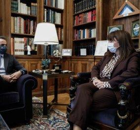 Την Κυριακή θα εμβολιαστούν Μητσοτάκης & Σακελλαροπούλου - ''Δίνουμε το παράδειγμα'' (βίντεο) - Κυρίως Φωτογραφία - Gallery - Video