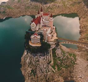 """""""Το κάστρο της ωραίας κοιμωμένης"""": Ένα ξενοδοχείο τεσσάρων αστέρων σε ένα μικρό νησάκι της Κίνας - Βγαλμένο από παραμύθι (φωτό) - Κυρίως Φωτογραφία - Gallery - Video"""
