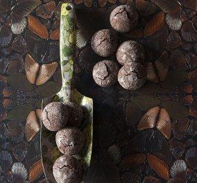 Ο Στέλιος Παρλιάρος μας φτιάχνει υγρά μπισκότα σοκολάτας - Θα σας ξετρελάνει η γεύση τους - Κυρίως Φωτογραφία - Gallery - Video