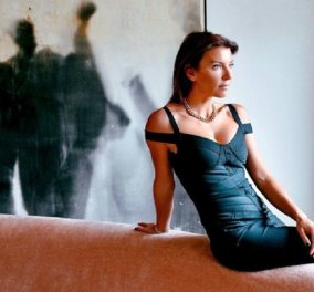 """""""Τα καλύτερα πράγματα στη ζωή είναι...""""  : Η Μαρίνα Βερνίκου στην καρδιά του χειμώνα ποζάρει στην παραλία της βουλιαγμένης με καλοκαιρινό look & μας δίνει """"μαθήματα ζωής"""" (φώτο) - Κυρίως Φωτογραφία - Gallery - Video"""