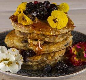 Χάρμα οφθαλμών τα  pancakes με γιαούρτι & φρούτα του Άκη - Πανδαισία χρωμάτων & απίθανη γεύση  - Κυρίως Φωτογραφία - Gallery - Video