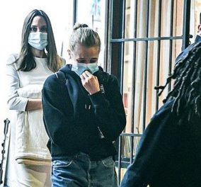 Angelina Jolie: Για ψώνια με τις κόρες της Zahara & Shiloh - Όλες τους με μάσκα! - Τι φόρεσε η γνωστή ηθοποιός (φωτό & βίντεο) - Κυρίως Φωτογραφία - Gallery - Video