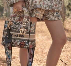 O Christian Dior παρουσιάζει την συλλογή με τις νέες υπέροχες τσάντες του - Σαν ύφασμα ταπισερί (φωτό & βίντεο) - Κυρίως Φωτογραφία - Gallery - Video