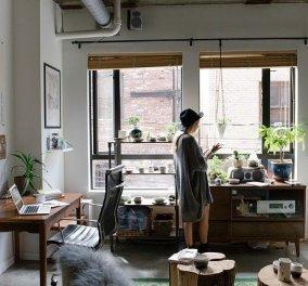 Ο Σπύρος Σούλης μας δίνει tips για να φτιάξουμε ένα μικρό & χαρούμενο home office (φωτό) - Κυρίως Φωτογραφία - Gallery - Video