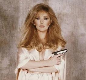 Το ''κορίτσι του James Bond'',  η Tanya Roberts είναι τελικά ζωντανό - Αναπνέει ακόμη δηλώνει ο σύζυγος της, παρά την ανακοίνωση του θανάτου της  - Κυρίως Φωτογραφία - Gallery - Video