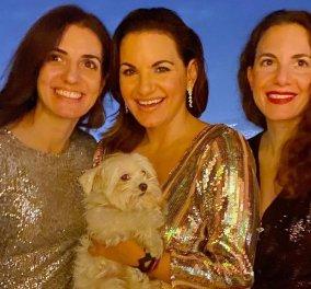 Με λάμψη & μαζί με τις 2 αδελφές της υποδέχθηκε το 2021 η Όλγα Κεφαλογιάννη- Η τρυφερή αγκαλιά στο σκυλάκι της (φωτό)  - Κυρίως Φωτογραφία - Gallery - Video