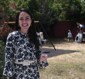 Το νεανικό στυλ της Δόμνας Μιχαηλίδου: Oι αέρινες φούστες, τα πουκάμισα, η λάμψη στα μακριά μαλλιά & τα stylish αξεσουάρ (φωτό)  - Κυρίως Φωτογραφία - Gallery - Video