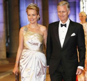 48 ετών έγινε η βασίλισσα Ματθίλδη του Βελγίου - Φανταχτερή, κομψή & πάντα προσεγμένη στις εμφανίσεις της (φωτό) - Κυρίως Φωτογραφία - Gallery - Video
