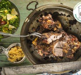 Ένα απολαυστικό πιάτο από την Ντίνα Νικολάου: Κατσικάκι με σκορδοβουτυράτη κρούστα αρωματικών - Κυρίως Φωτογραφία - Gallery - Video
